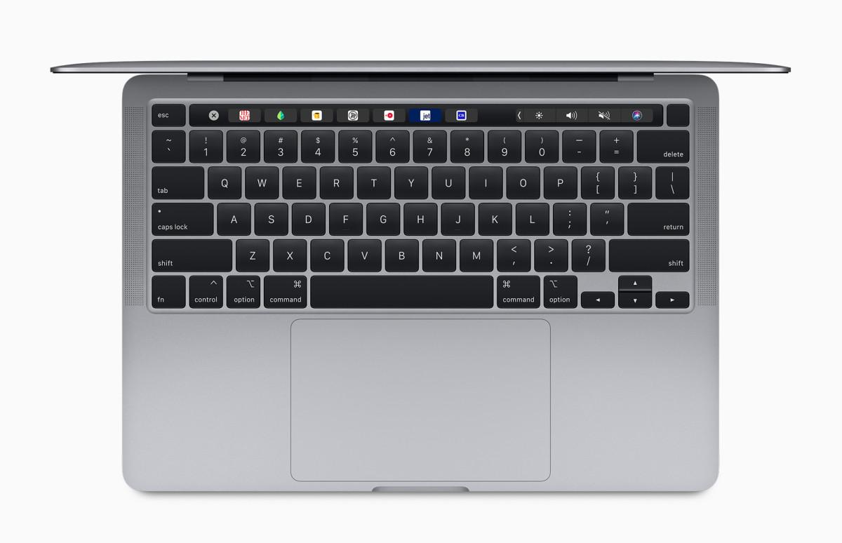 由2019版的蝴碟鍵盤,改為使用精妙鍵盤,但外觀大致相同。