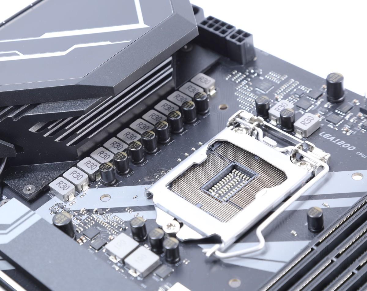 採用 12+2 相 CPU 供電設計