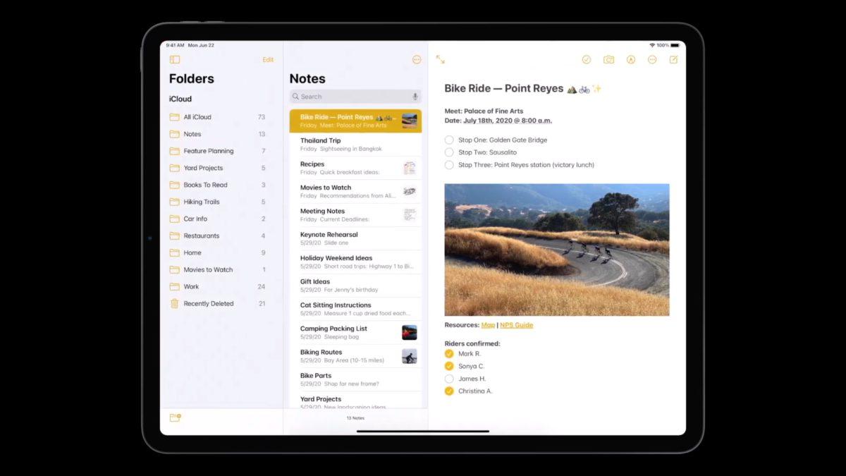 iPadOS 14 原生程式都採用同一套設計準則,就是側邊欄和頂部工具列。