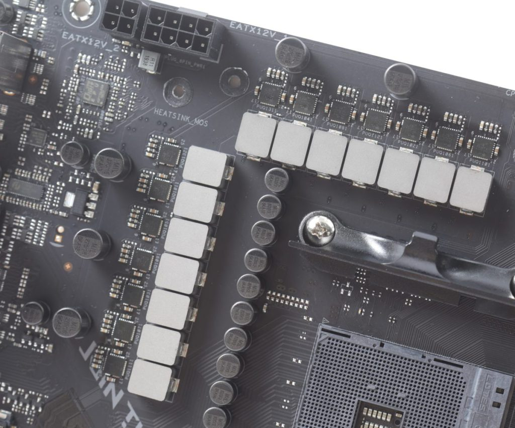 CPU 供電採用 12+2 Teamed Power,並且採用 Vishay SiC639 50A Dr. MOS 晶片。