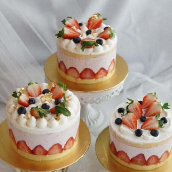 Ichigo Strawberry Cake