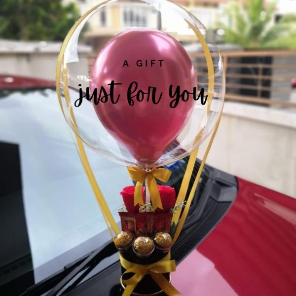 Gold Theme Hot Air Balloon Font Design 10