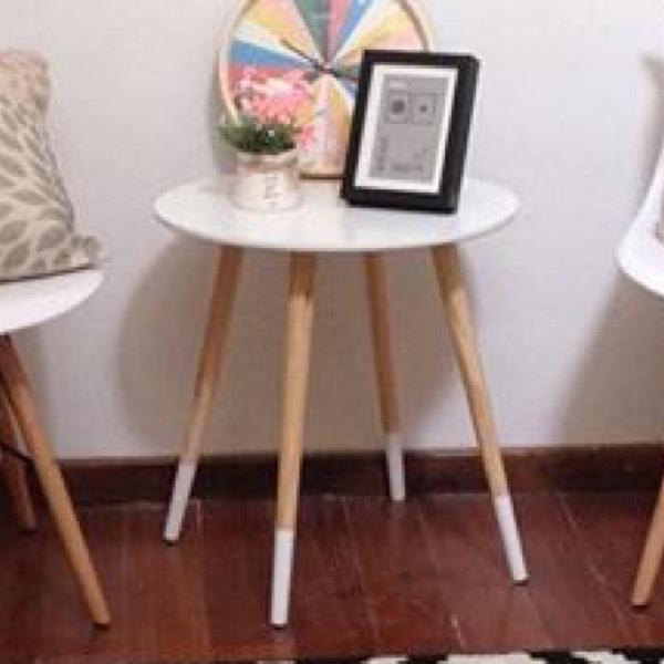 Coffee Table - Socks0