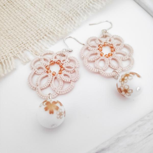 Scallop Lace Sakura Tensha Beads1