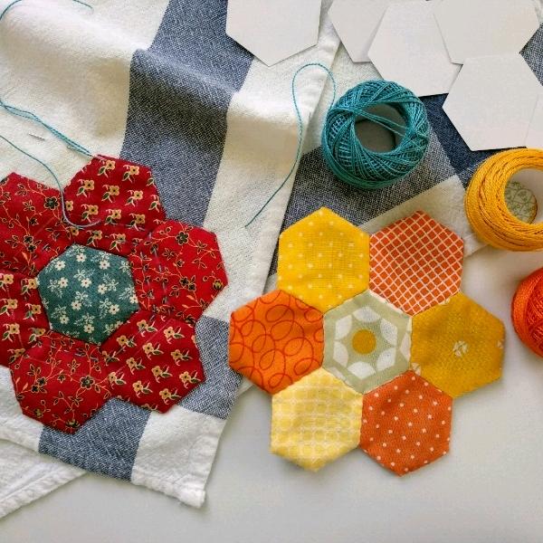 1/7 English Paper Piecing - Hexagons0