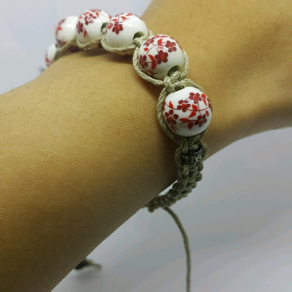 Beige Macrame Bracelet With Red Flower Porcelain Beads & Small Rondelle1