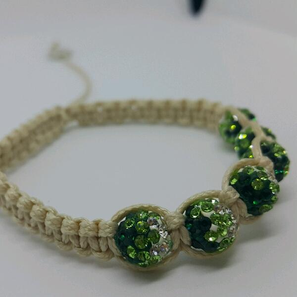 Beige Macrame Bracelet With Green Round Rondelle Crystals