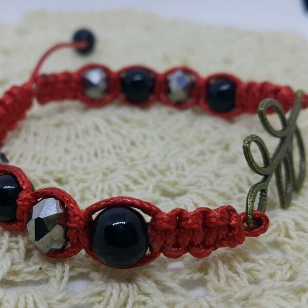 Leafy - Macrame Bracelet With Faux Crystal Beads2