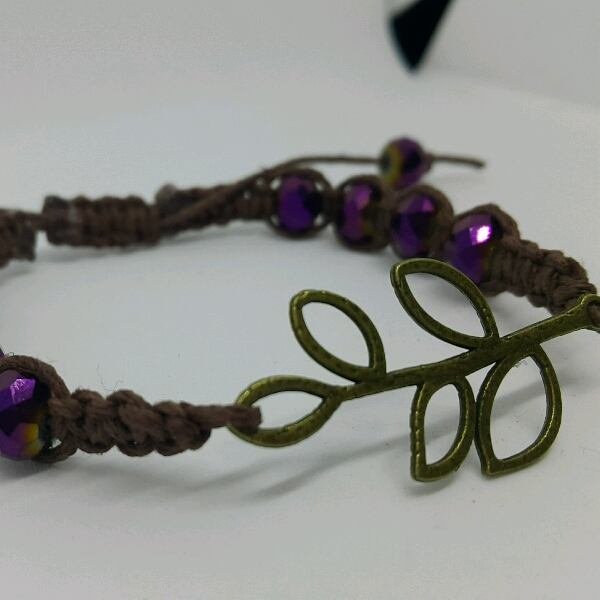 Leafy - Macrame Bracelet With Faux Crystal Beads