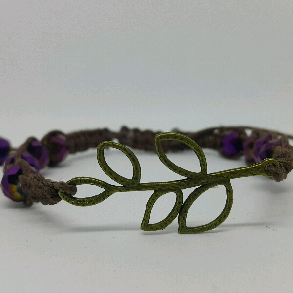 Leafy - Macrame Bracelet With Faux Crystal Beads1