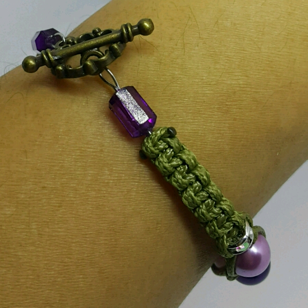 Strap-on Macrame Bracelet With Faux Pearls1