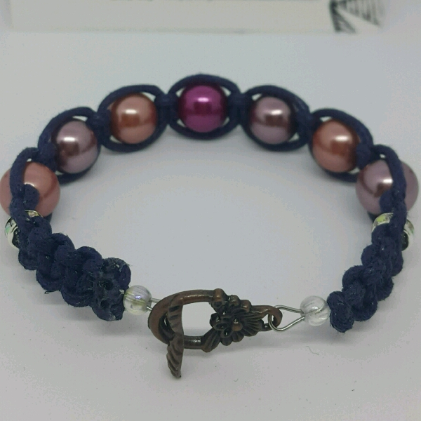 Strap-on Macrame Bracelet With Faux Pearls2