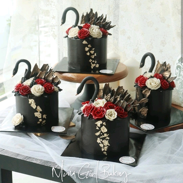 10 Nov_Black Swan Floral Buttercream Workshop1