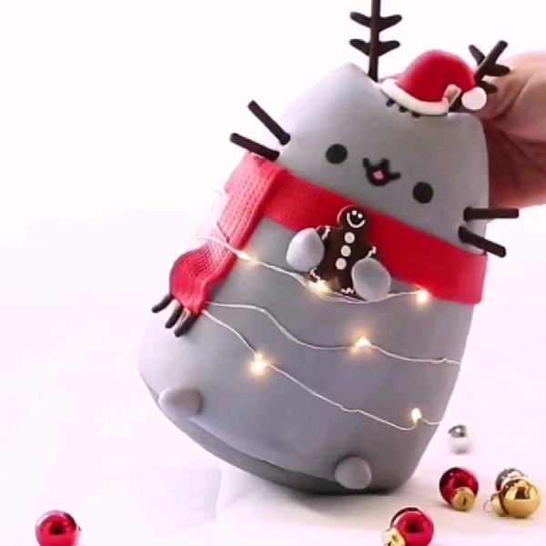 1 Dec_Roly-Poly Pusheen (Xmas Edition)