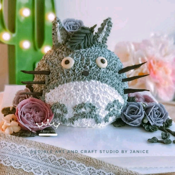 3D Totoro Cake With Bean Paste Flower Workshop1