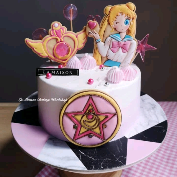 7/9  Sailor Moon Icing Cookies Designer's Cake0