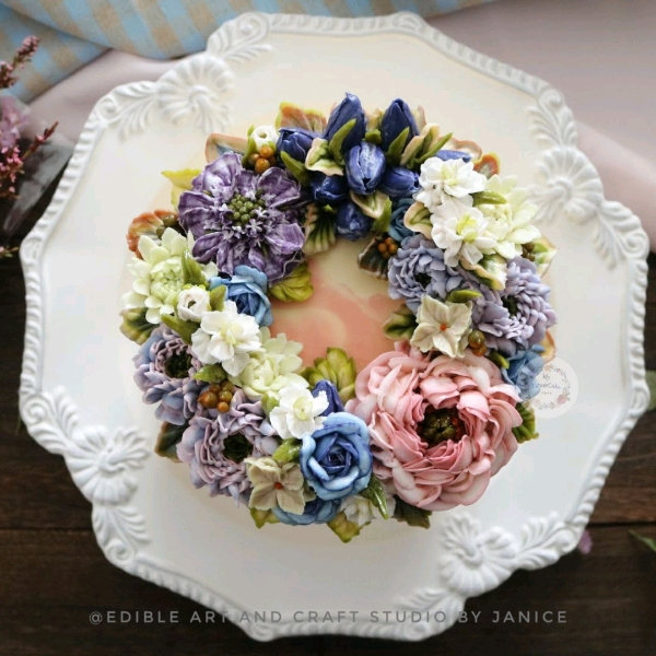 8 July Hands on Buttercream Cake Advanced Wreath0