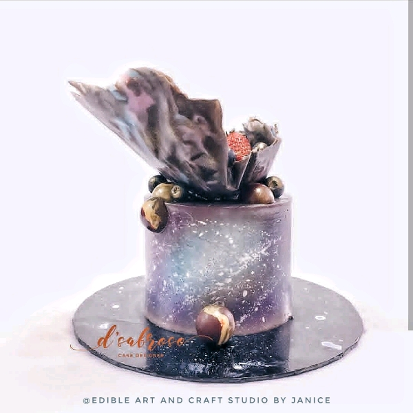 Galaxy Themed Chocolate Decorative Cake0