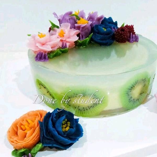 Korean bean paste flower matcha layer mousse cake2