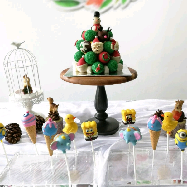 Xmas Cake Pop Tower Workshop1