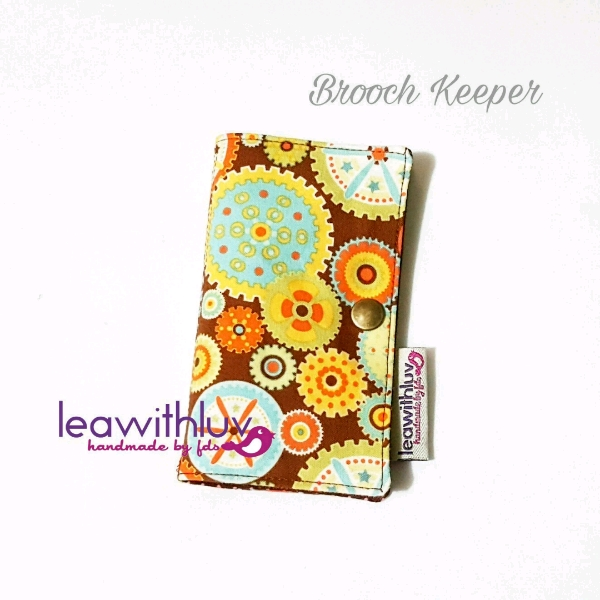 Brooch Keeper