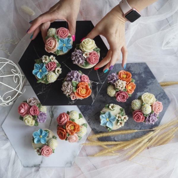 28/05 Bean Paste Flower Cupcake 1