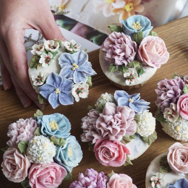 28/05 Bean Paste Flower Cupcake 2