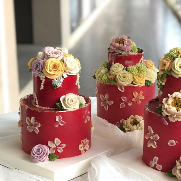 26/05 Two Tier Bean Paste Flower Cake3