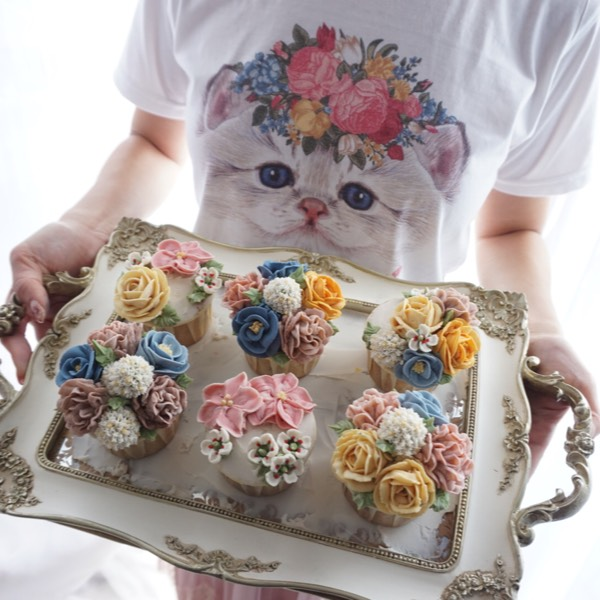 28/06 Bean Paste Flower Cupcake0