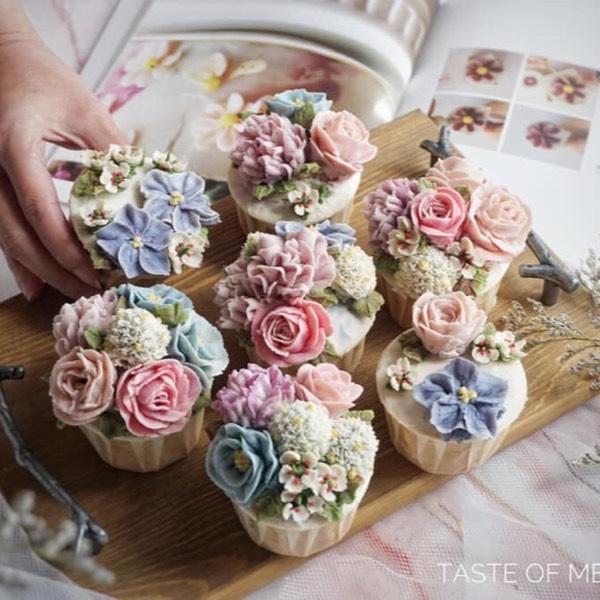 Bean Paste Flower Cupcake0