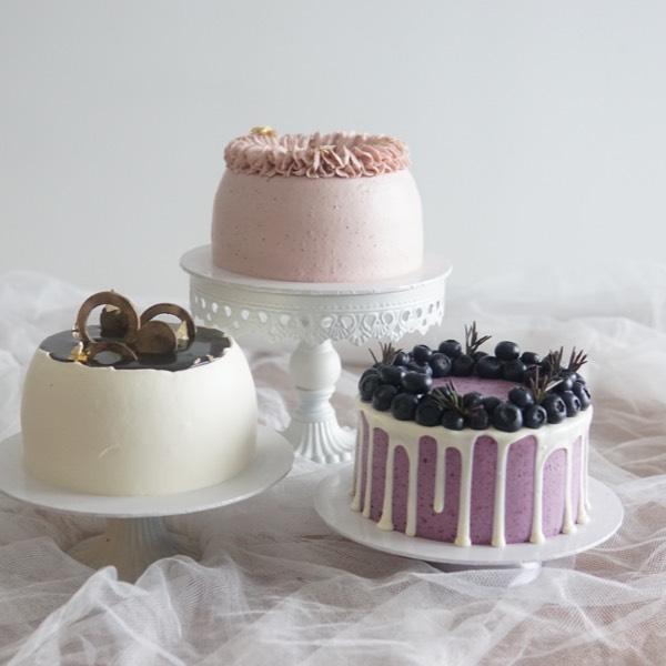 Bunny Cake (28/03) ,3cake In 1 Day (29/03)0