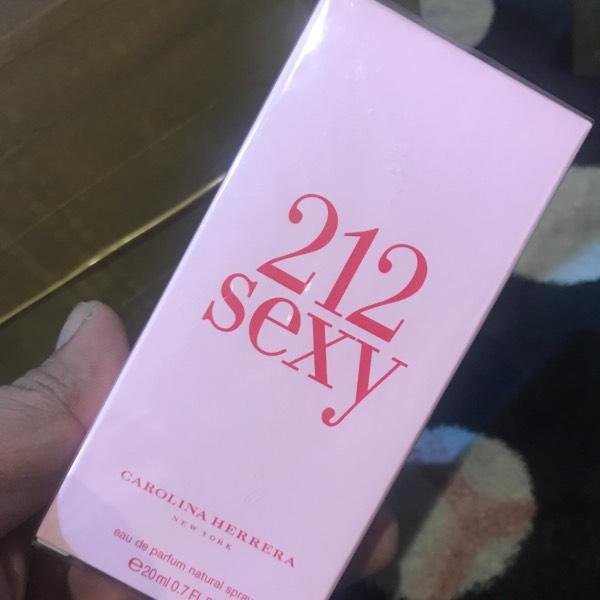 Carolina Herrera 212 Sexy 20ml0