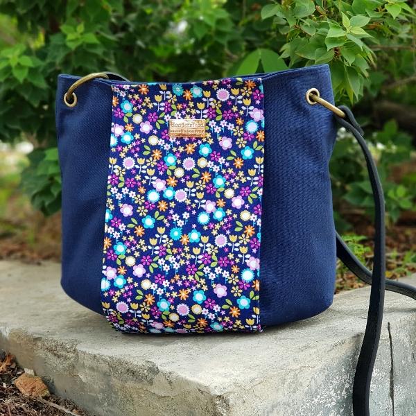 Becky Sling Bag0