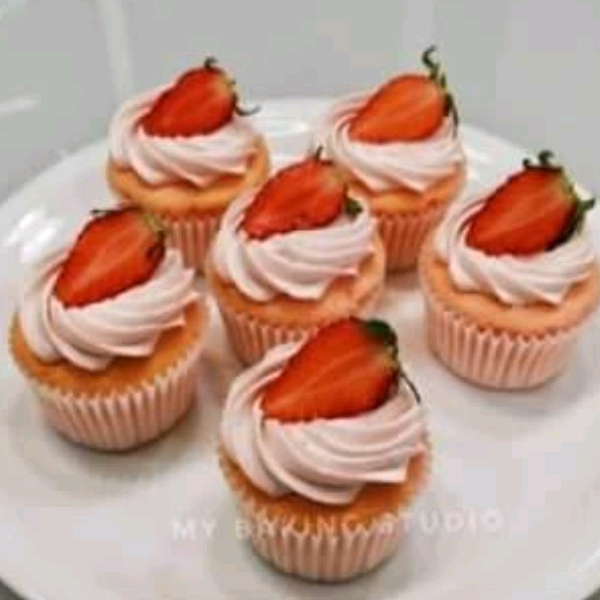Strawberry Cupcake Workshop (18 June)