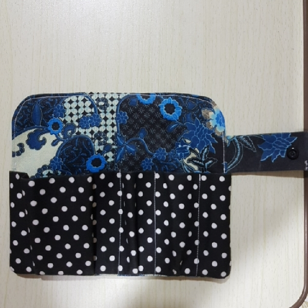 Sanitary Pad and Tampon Pouch1