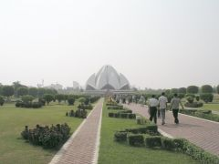 Lotus_Temple,_New_Delhi.jpg