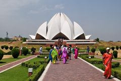 Bahai-house-of-worship-delhi.jpg