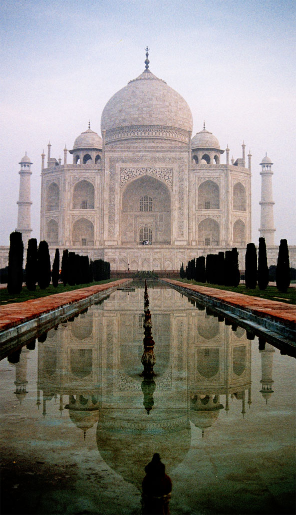 Taj_Mahal_reflection.jpg