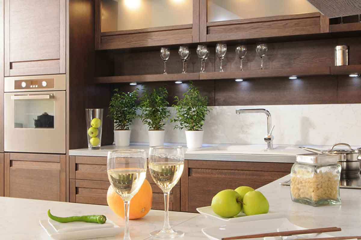 Modern Progressive Look: To Achieve This Look, You Can Opt For An L Shaped Modern  Kitchen That Will Serve The Purpose Of Functionality Especially In Tight ...