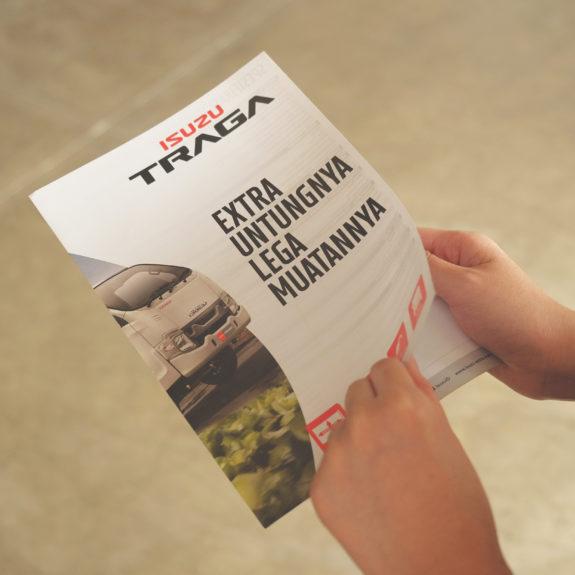 perbedaan brosur dan flyer