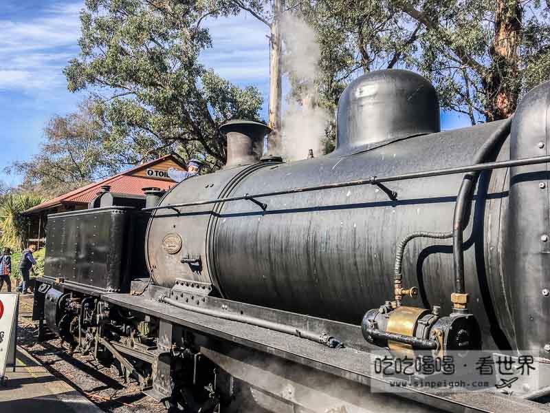 黑色蒸汽火車