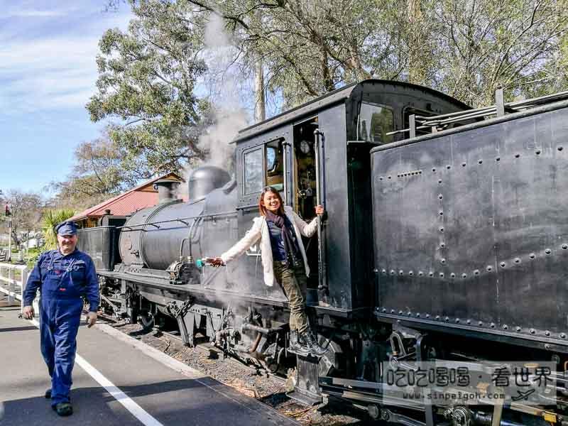 澳洲黑色蒸汽火車
