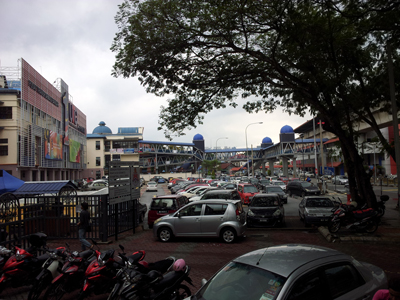 The Damai LRT Station is situated just in front of the Keramat Mall. Image size:400x300px