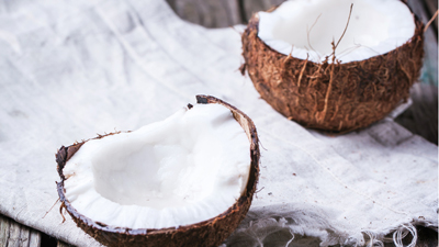 Coconut for virgin coconut oil. Image size:400x225px