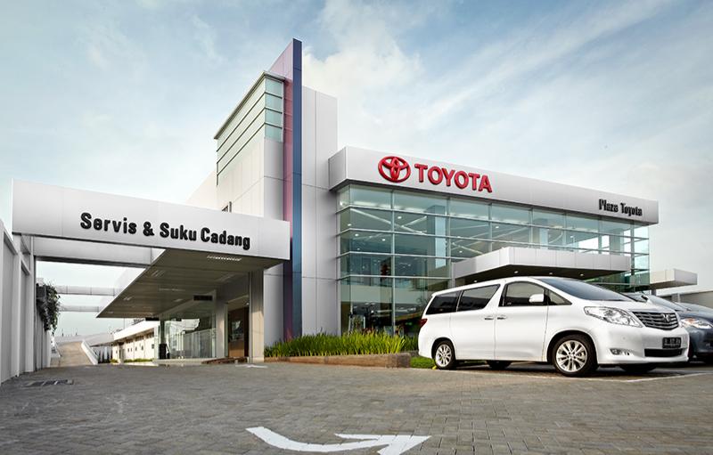 Plaza Toyota Pemuda
