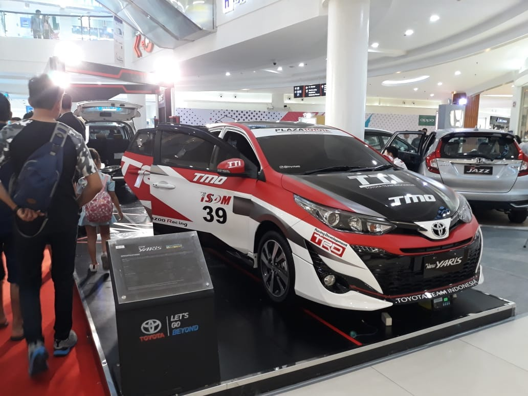 Plaza Toyota Gading Serpong