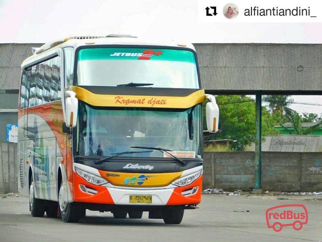 Kramat Djati Bandung Bus