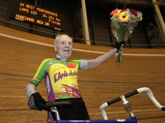 105 year, world record, riding bicycle, Robert Marchand, one hour, french