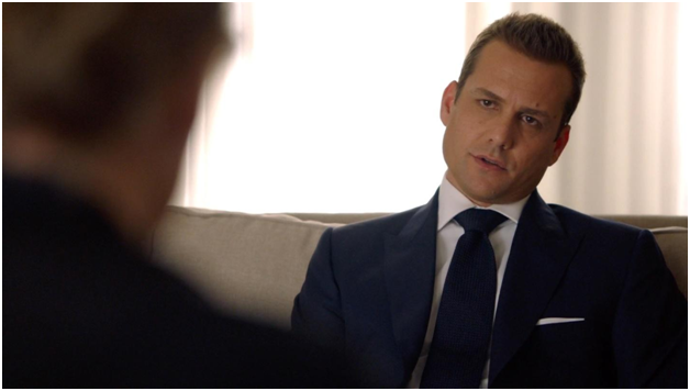 Harvey Specter, Suave, Essential Style, Lessons From Harvey Specter, Lessons From Suits, US Tv Series Suits, Classic Suits, Flapped Pockets, Pants, Well-fitting shirts, Power Knots, Gabriel Macht