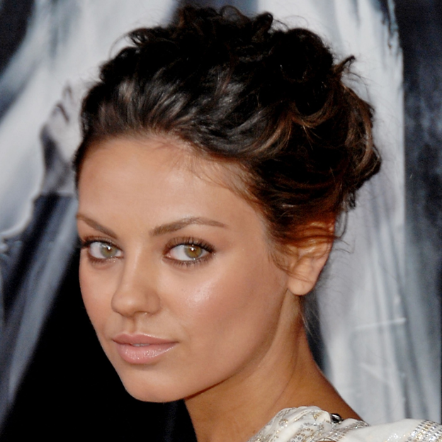 Mila Kunis, Cats' Eyes, Cats, Eyes, Actors, Green-Hazel Eyes, Bruce Willis, Angelina Jolie, Benedict Cumberbatch, Emma Stone, Kate Hudson, Paul Rudd, Kate Middleton, Tom Cruise, Adrien Brody, Kate Winslet, Kristen Stewart, Jude Law, Channing Tatum, The Su